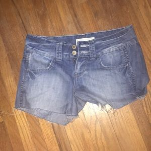 Maurice's shorts size: 1/2